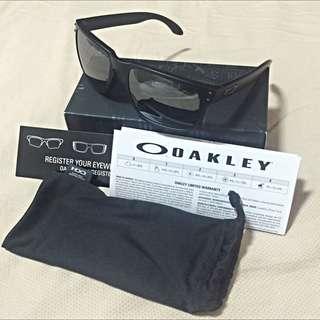 BNIB Original Oakley Holbrook Matte Black