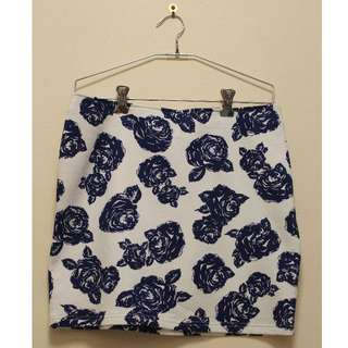 Floral Mini Skirt in Navy Blue and White (Size M)