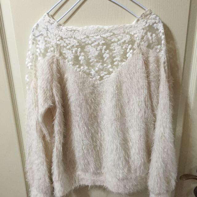 (冬衣出清)透膚白色毛衣