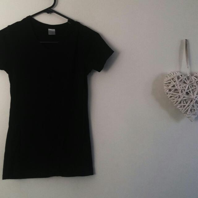 Black Top. Size 8