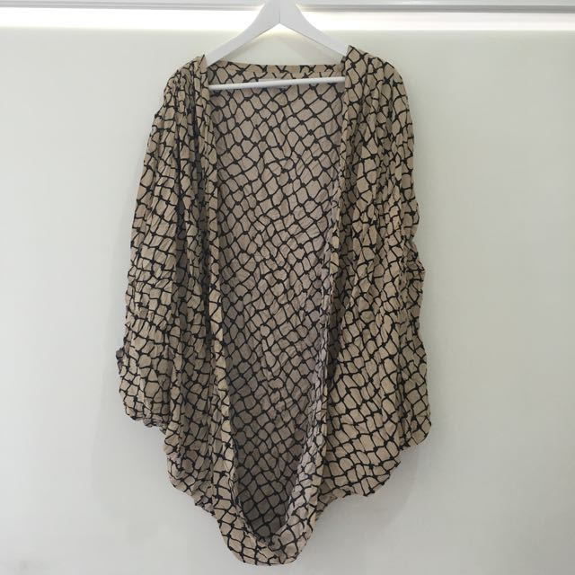 Cameo The Label Throw/Shawl Size 8