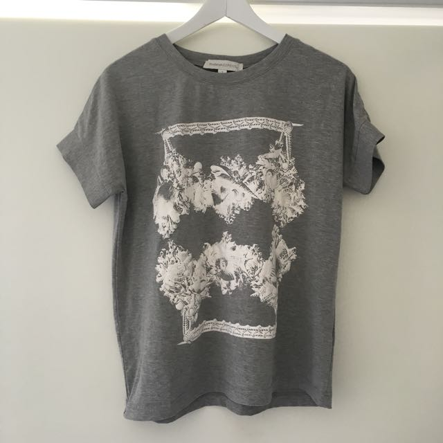 Finders Keepers T-shirt Size Small