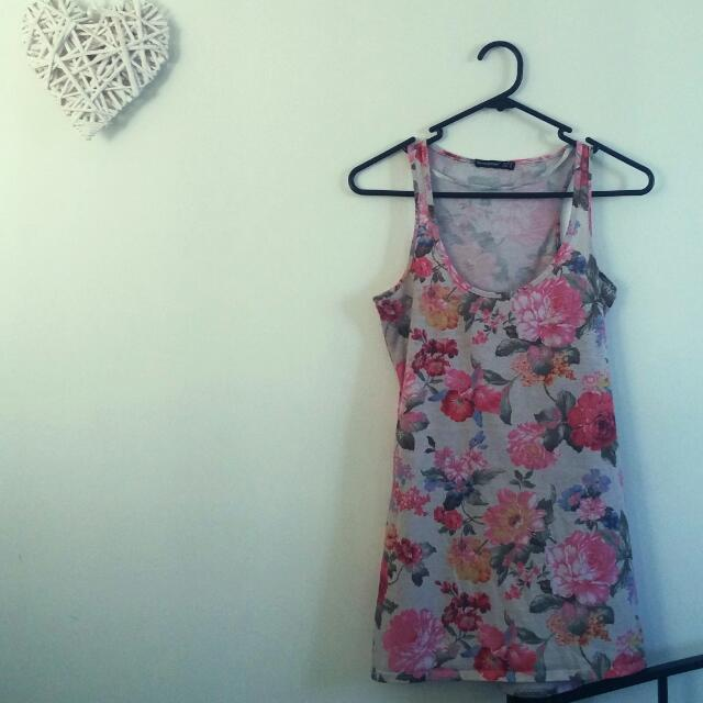Floral Top. Size 10