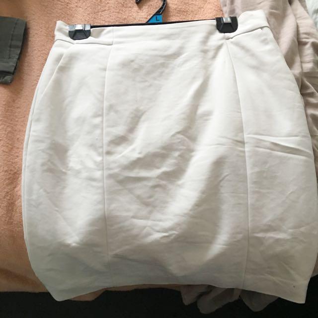 H&M Skirt That Needs Ironing