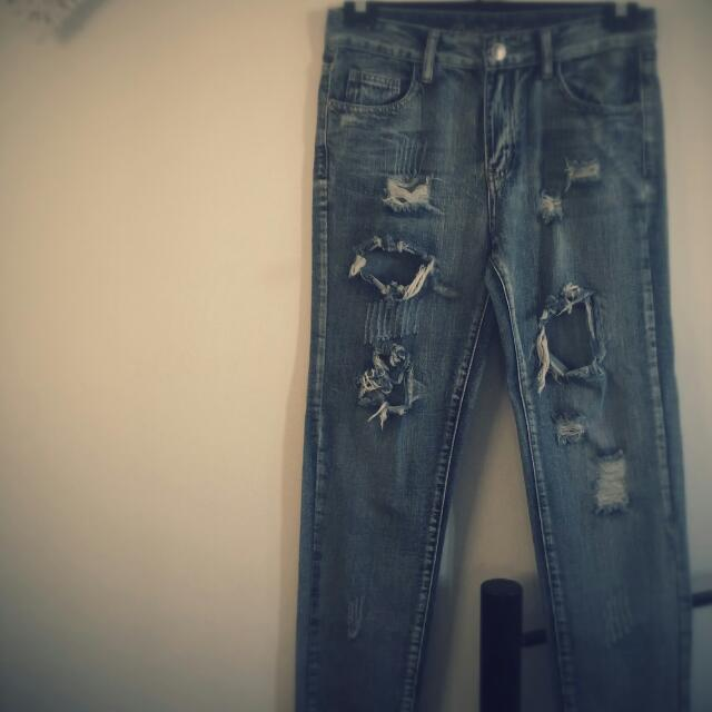 Ripped Boyfriend Fit Jeans. Size 10