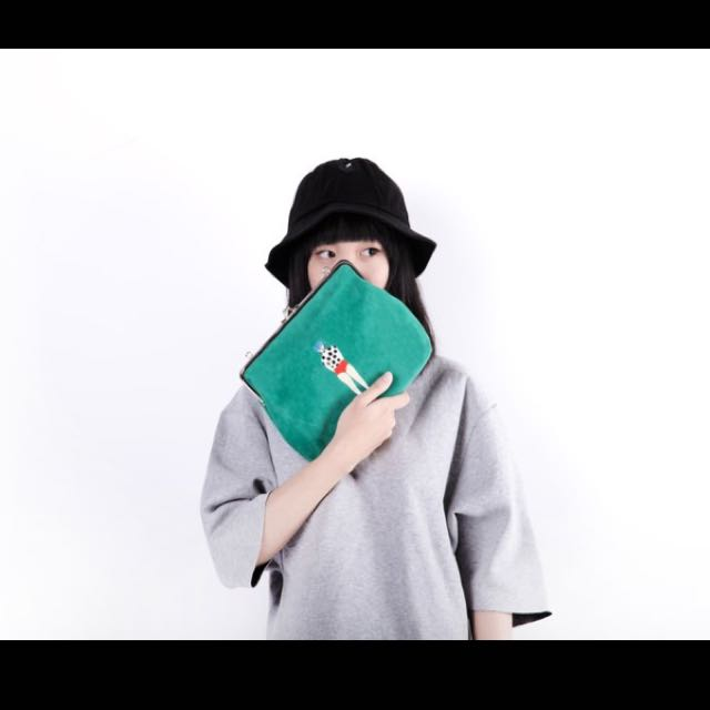 YIZISTORE刺繡單肩斜斜挎口金包(綠色)