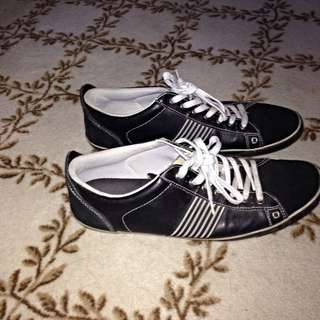 Men's Black & Grey Lace Up Sneakers, Size 11