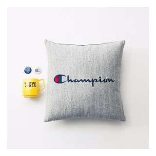 CHAMPION 冠軍 刺繡 草寫 字體 抱枕