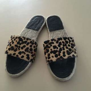 SEED WOMENS SHOES - Size 38