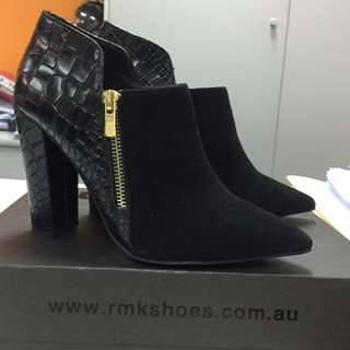 RMK Avelyn Croc Leather Ankle Boots Size 37/7