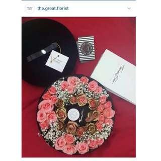 Fresh Roses Flower Box