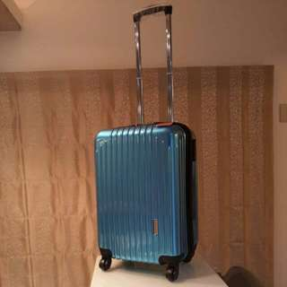全新America Tiger 亮面硬殼行李箱/登機箱(海關鎖+飛機輪) 藍