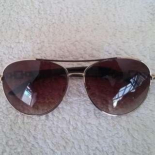 Jessica Simpson's Sunglasses