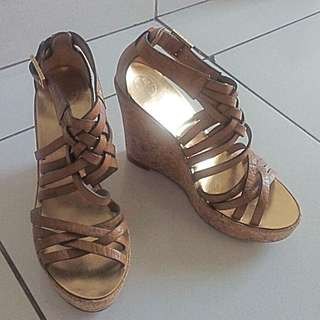 Tory Burch wedges size 39
