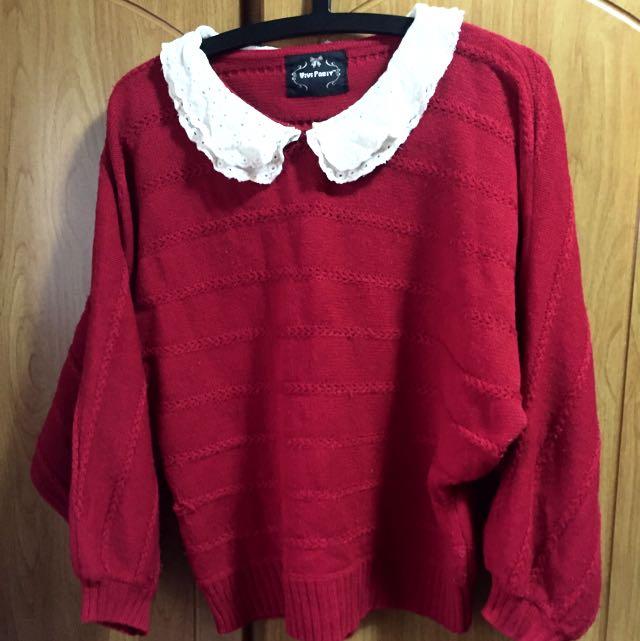 日系雕花領紅毛衣