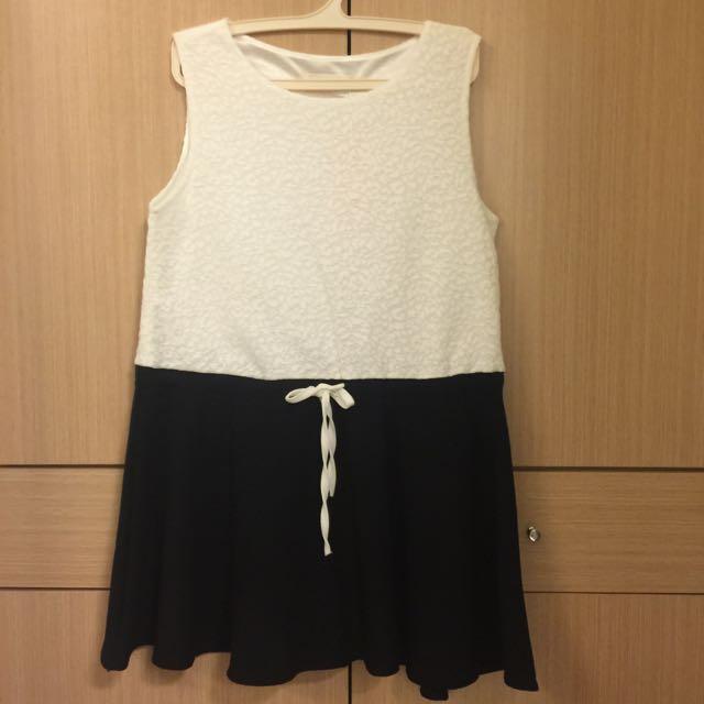 黑白簡約蕾絲洋裝