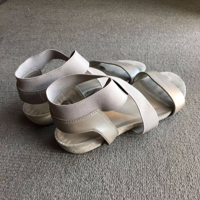 Atticus Sandals by Easy Steps Size 8