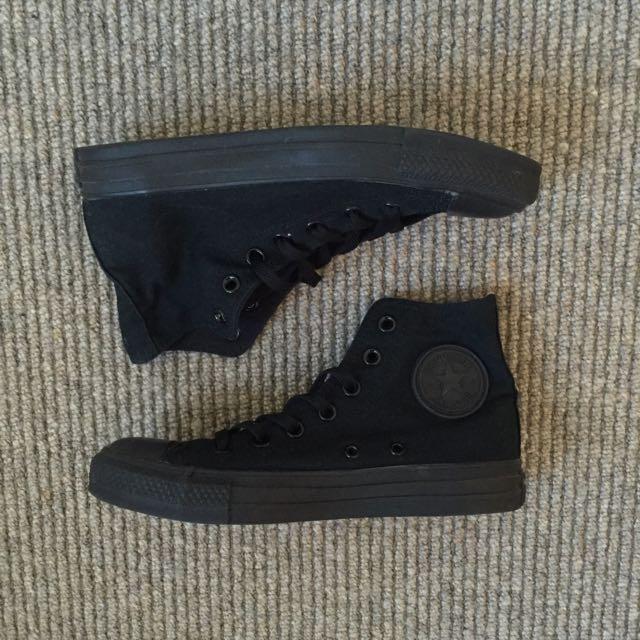 Converse All-Black Chuck Taylor High Tops Size 7 Women's
