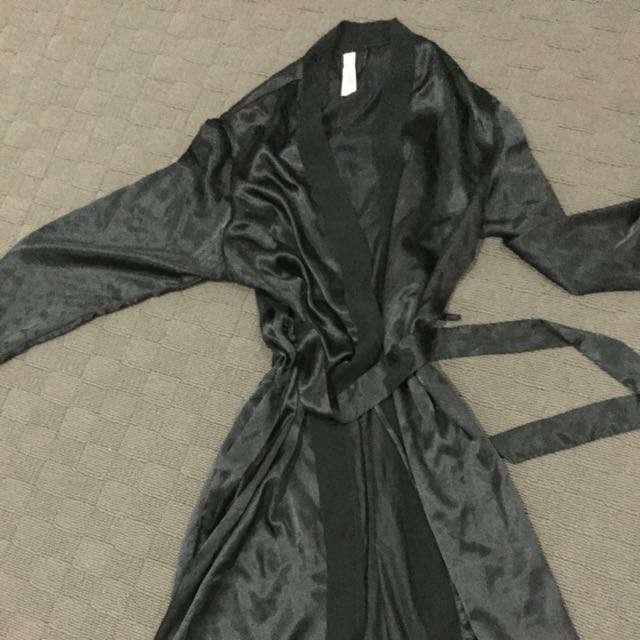 New Bras&Things satin Dressing Gown