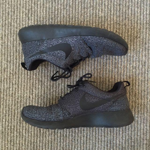 Nike Roshe Run AU8 Anthracite/Black-Anthracite-Volt