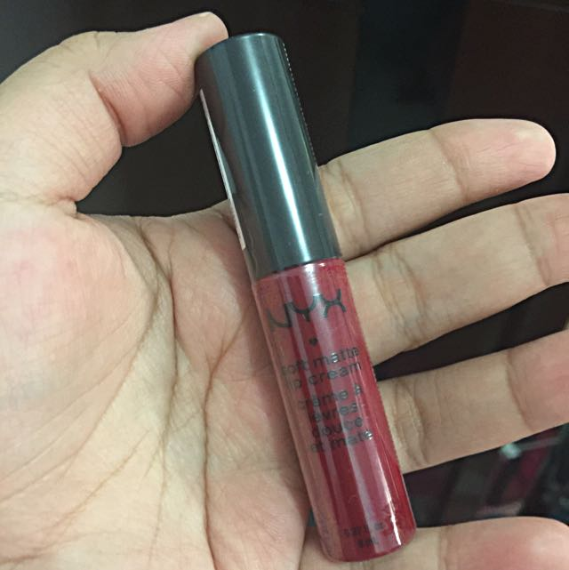 NYX Lip Cream Monte Carlo