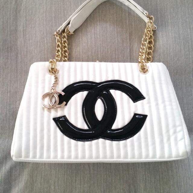 Replica Chanel handbag