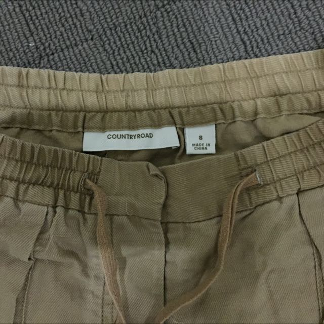 Sz 8 Country Road Shorts