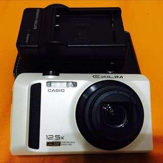 (二手廉售)CASIO EX-ZR100 美肌相機 珍珠白