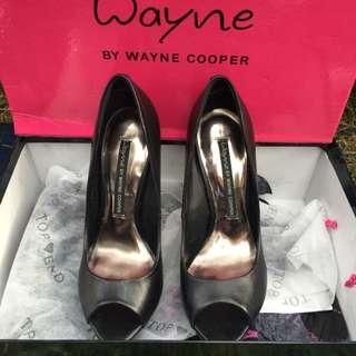 Wayne Cooper Pumps