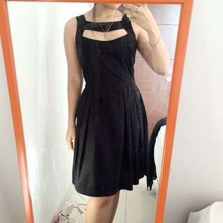 hole front dress