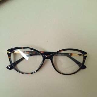 Pollete glassses