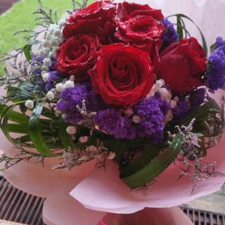 Roses / Flowers/ Bouquet /occasion / Lilies /gifts/ Birthdays
