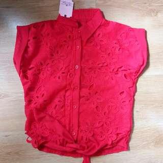 Kemeja Lacey Bunga Merah