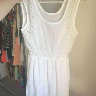 White Beach/casual Dress