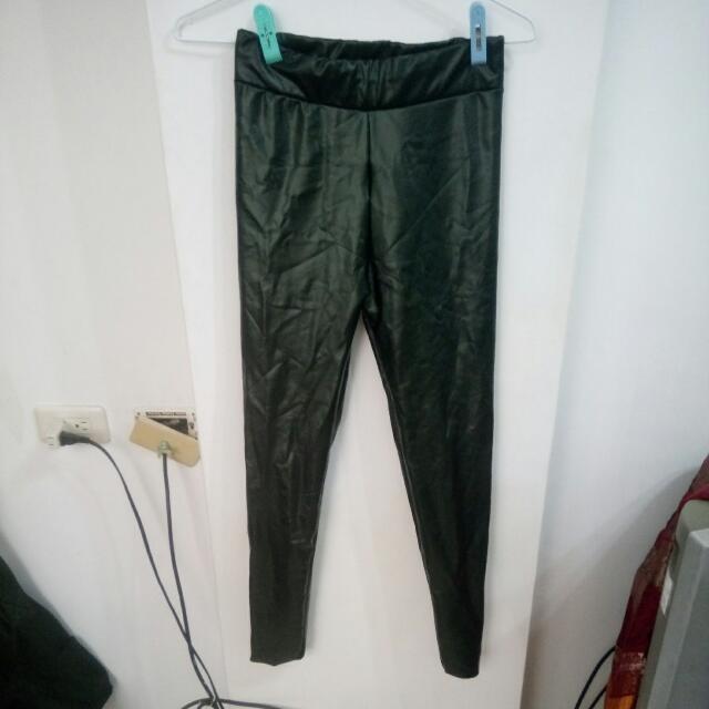 黑色皮褲$180