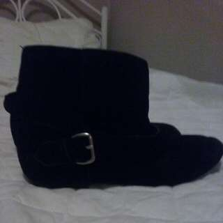 Black, Flat Ankle Boots
