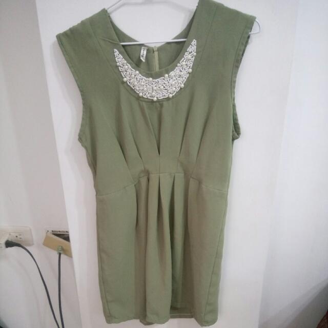 顯瘦氣質洋裝$200