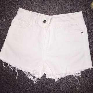 夏天必備百搭白褲