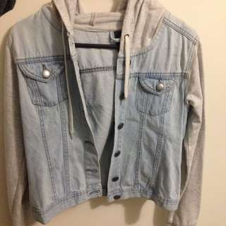 ✨PENDING✨ Size S Denim And Grey Jacket