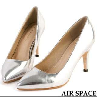 金屬光澤銀色高跟鞋