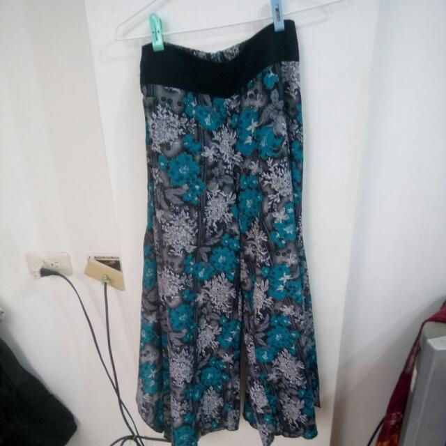 民族風裙子$300