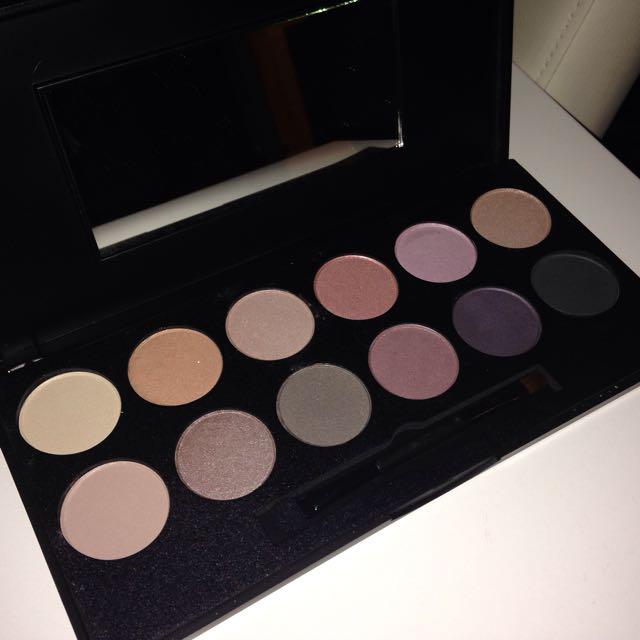 Beauty Bay Eyeshadow Pallet