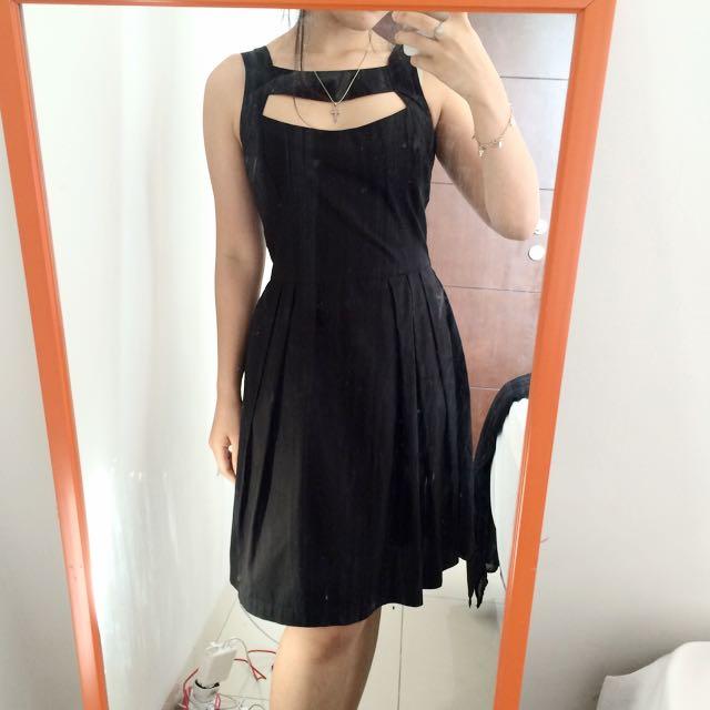 hole front dress