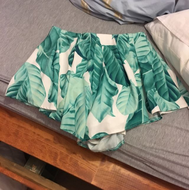 Leaf High Shorts