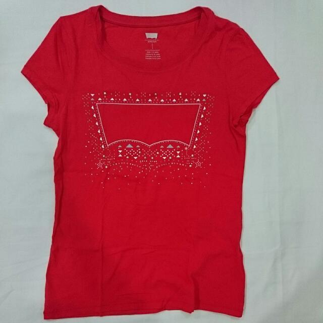 LEVI'S Ladies Red T-shirt