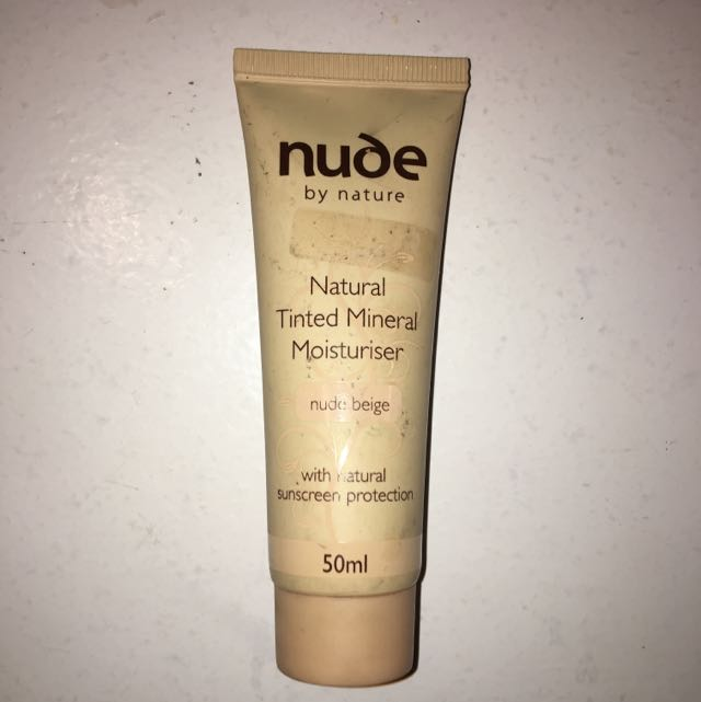 Nude By Nature Tinted Moisturiser