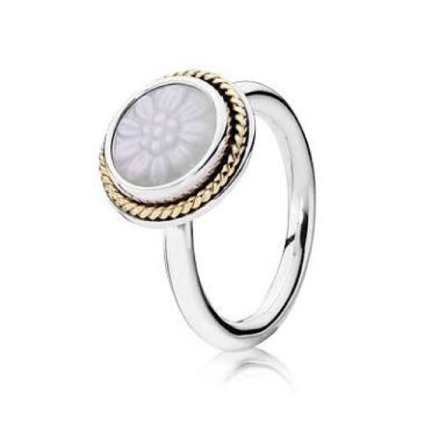 Pandora - Mother Of Pearl - Retails $199