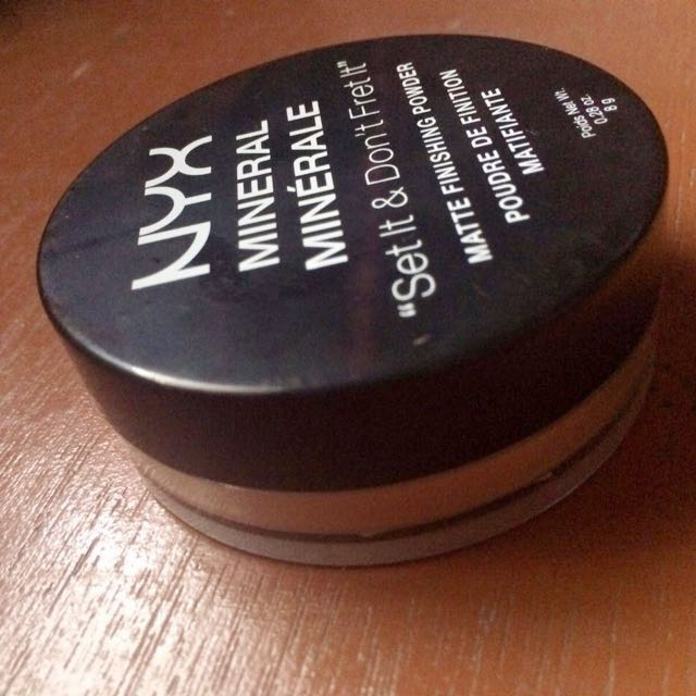 Preloved NYX Loose Powder