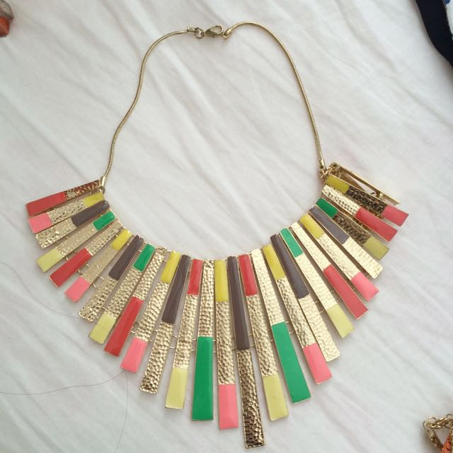 pyramids necklace