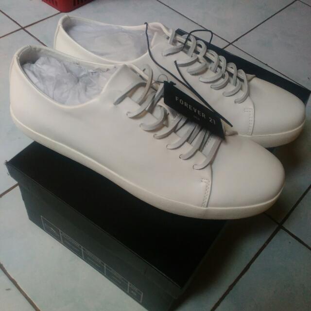 Sneackers Pria Dari Forever21